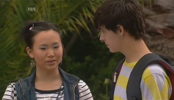 Sunny Lee, Zeke Kinski in Neighbours Episode 5676