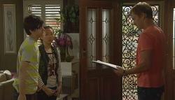 Zeke Kinski, Sunny Lee, Dan Fitzgerald in Neighbours Episode 5676