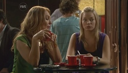 Cassandra Freedman, Donna Freedman in Neighbours Episode 5676