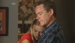 Elle Robinson, Paul Robinson in Neighbours Episode 5677