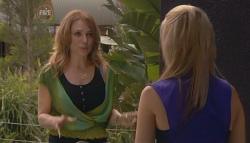 Cassandra Freedman, Donna Freedman in Neighbours Episode 5677