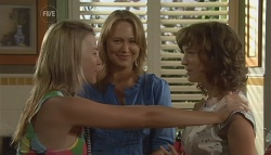 Donna Freedman, Miranda Parker, Bridget Parker in Neighbours Episode 5679