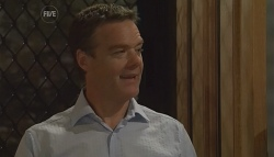 Paul Robinson in Neighbours Episode 5680