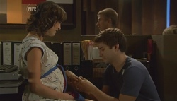 Bridget Parker, Declan Napier in Neighbours Episode 5680