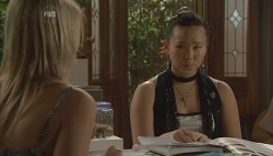 Donna Freedman, Sunny Lee in Neighbours Episode 5682
