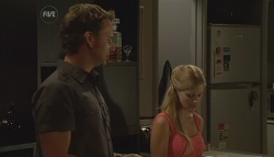 Lucas Fitzgerald, Elle Robinson in Neighbours Episode 5683