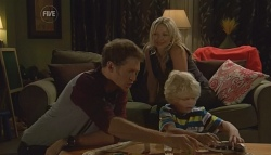 Greg Michaels, Steph Scully, Charlie Hoyland in Neighbours Episode 5683