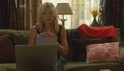 Steph Scully in Neighbours Episode 5684