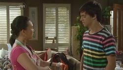 Sunny Lee, Zeke Kinski in Neighbours Episode 5684