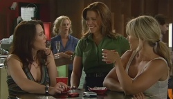 Libby Kennedy, Rebecca Napier, Steph Scully in Neighbours Episode 5685