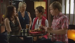 Libby Kennedy, Steph Scully, Susan Kennedy, Ringo Brown in Neighbours Episode 5685