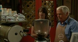 Kate Ramsay, Lou Carpenter in Neighbours Episode 5701