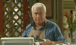 Lou Carpenter in Neighbours Episode 5710