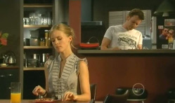 Elle Robinson, Lucas Fitzgerald in Neighbours Episode 5711