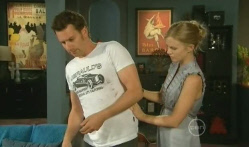 Lucas Fitzgerald, Elle Robinson in Neighbours Episode 5711