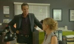 Paul Robinson, Elle Robinson in Neighbours Episode 5711