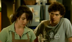 Kate Ramsay, Harry Ramsay in Neighbours Episode 5713