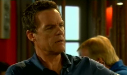 Paul Robinson in Neighbours Episode 5713