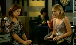 Rebecca Napier, Elle Robinson in Neighbours Episode 5719