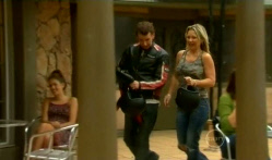 Lucas Fitzgerald, Steph Scully in Neighbours Episode 5719