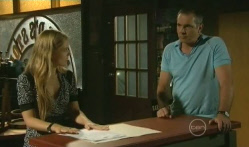Elle Robinson, Karl Kennedy in Neighbours Episode 5722