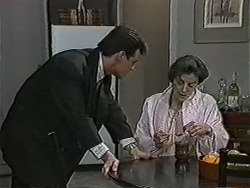 Paul Robinson, Gail Robinson in Neighbours Episode 1051