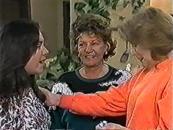 Kerry Bishop, Gloria Lewis, Madge Bishop in Neighbours Episode 1052