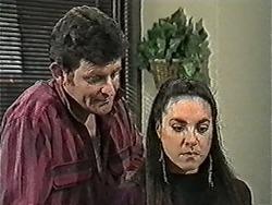 Des Clarke, Kerry Bishop in Neighbours Episode 1055