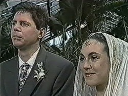 Joe Mangel, Kerry Bishop in Neighbours Episode 1058
