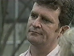 Des Clarke in Neighbours Episode 1058