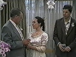 Harold Bishop, Kerry Bishop, Joe Mangel in Neighbours Episode 1058