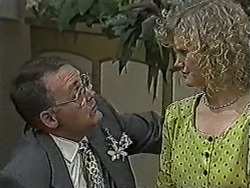 Harold Bishop, Sharon Davies in Neighbours Episode 1058