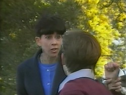 Hilary Robinson, Todd Landers in Neighbours Episode 1059