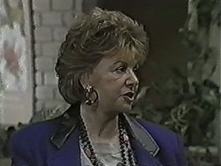 Gloria Lewis in Neighbours Episode 1061