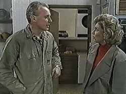 Jim Robinson, Beverly Marshall in Neighbours Episode 1062