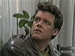 Paul Robinson in Neighbours Episode 1062