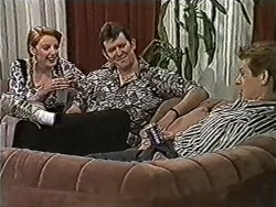 Melanie Pearson, Des Clarke, Clive Gibbons in Neighbours Episode 1062