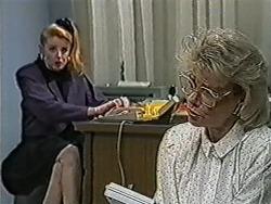 Melanie Pearson, Helen Daniels in Neighbours Episode 1066