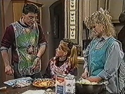 Matt Robinson, Melanie Pearson, Sharon Davies in Neighbours Episode 1067