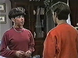 Hilary Robinson, Todd Landers in Neighbours Episode 1069