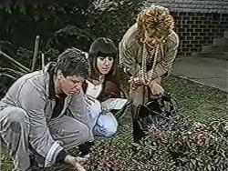 Joe Mangel, Kerry Bishop, Gloria Lewis in Neighbours Episode 1070