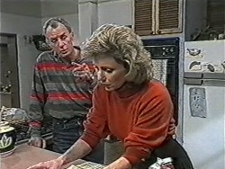 Jim Robinson, Beverly Marshall in Neighbours Episode 1070