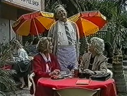 Madge Bishop, Harold Bishop, Helen Daniels in Neighbours Episode 1071
