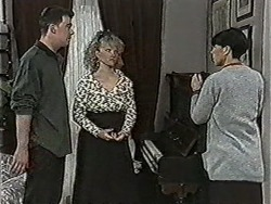 Matt Robinson, Sharon Davies, Hilary Robinson in Neighbours Episode 1072