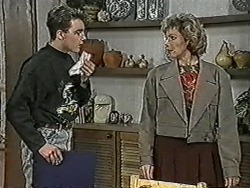 Nick Page, Beverly Marshall in Neighbours Episode 1072
