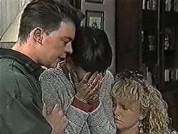 Matt Robinson, Hilary Robinson, Sharon Davies in Neighbours Episode 1072
