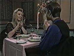 Melissa Jarrett, Todd Landers in Neighbours Episode 1073