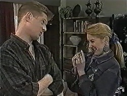 Clive Gibbons, Melanie Pearson in Neighbours Episode 1075