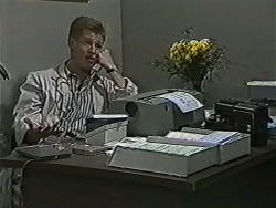 Clive Gibbons in Neighbours Episode 1075