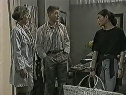 Beverly Marshall, Clive Gibbons, Debra Turner in Neighbours Episode 1075